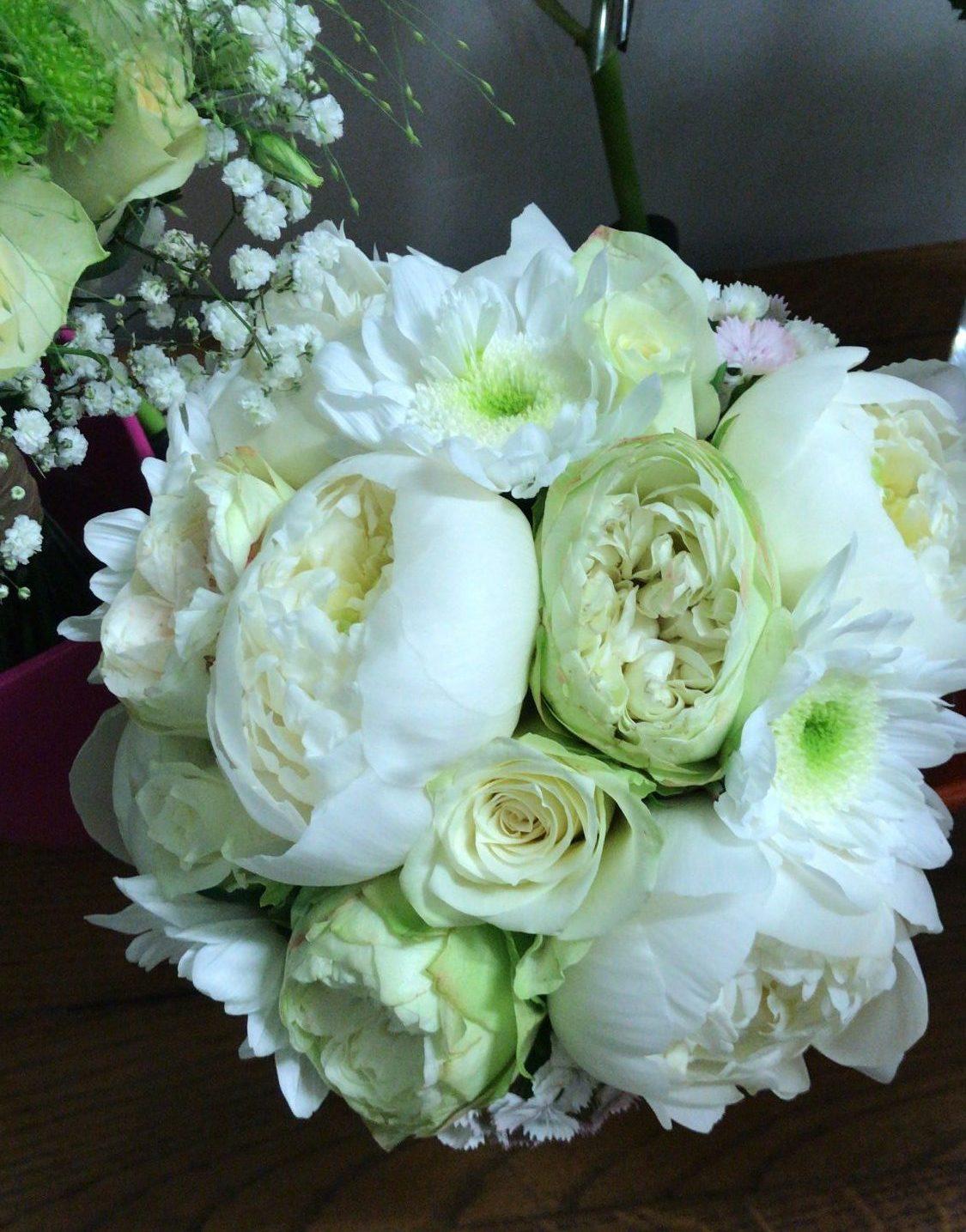 bouquet-de-mariee-pivoines-champetre